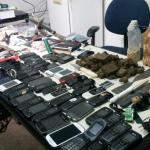 Revista encontra mais de 50 celulares, facões e drogas em Alcaçuz