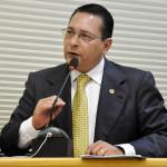 Ezequiel Ferreira faz pronunciamento sobre investigações do MP.