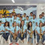 Alunos da Escola de música recebem uniformes e vão se apresentar no dia 9 de Setembro.