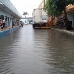 Chuva intensa banha a cidade de Macau.