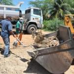 Prefeitura melhora limpeza com mutirão na Ilha de Santana.