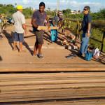 Prefeitura de Alto do Rodrigues recupera ponte sobre o Rio Piranhas.