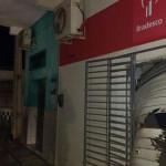 Bandidos explodem caixa eletrônico e atiram contra Destacamento da PM em Taipu.