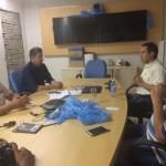 Preocupado com demissões, prefeito Túlio Lemos conversa com gerência da Salinor em Macau.